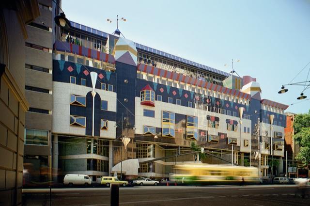 <br> © John Gollings, RMIT building 8, Melbourne by Edmond and Corrigan